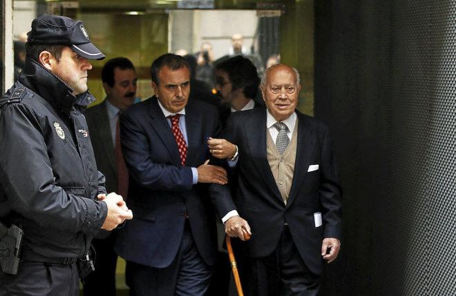 El ex tesorero del PP Álvaro Lapuerta, saliendo de la Audiencia...