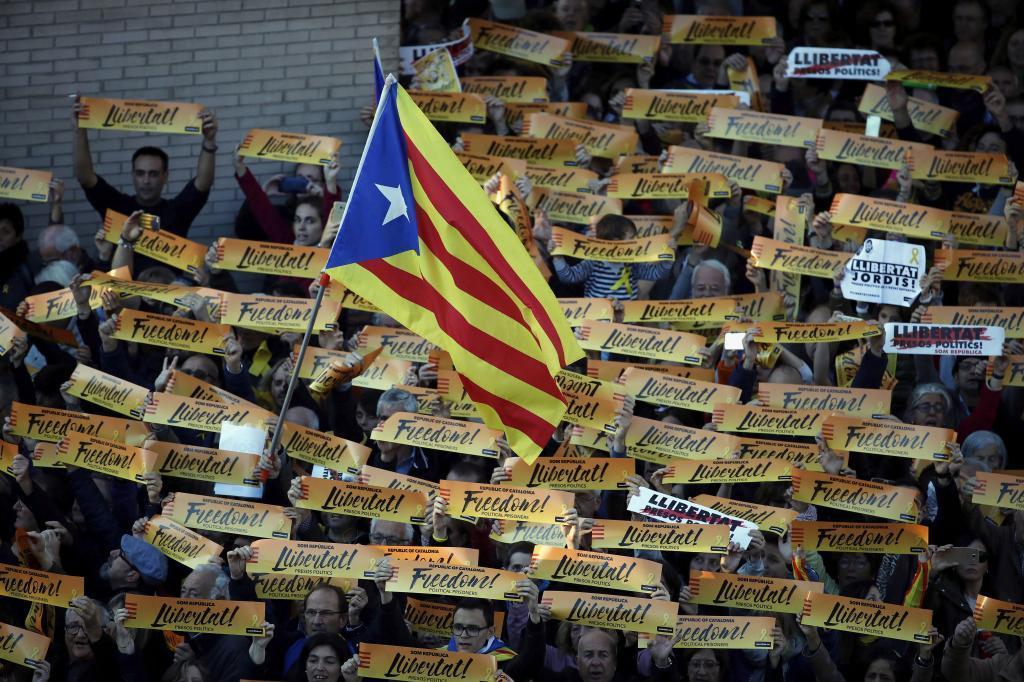 Una bandera estelada durante la manifestación convocada en...