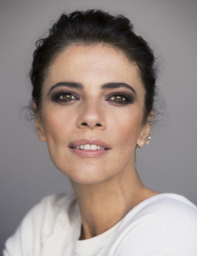 Como mejor se ve Maribel Verdú es cuando resalta su mirada con un...
