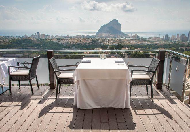 Panorámica. El comedor ofrece unas vistas espectaculares de Calpe.