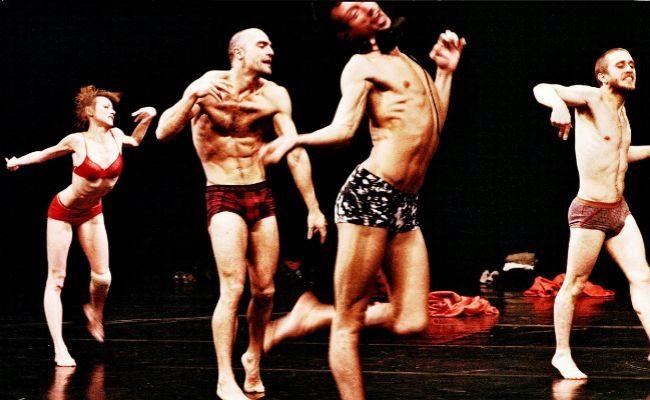 Estilo singular. Platel basa su danza en el movimiento de niños con...