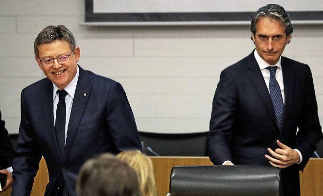 El presidente de la Generalitat, Ximo Puig, ayer junto al ministro de Fomento, Íñigo de la Serna.