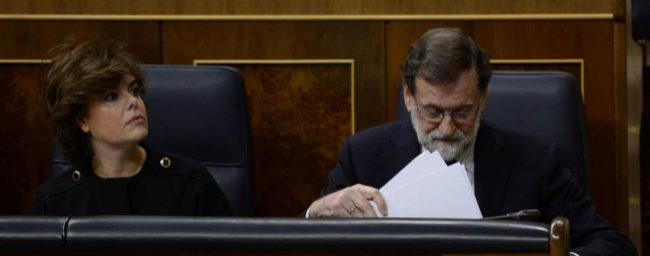 Soraya Sáenz de Santamaría y Mariano Rajoy, en la sesión de...