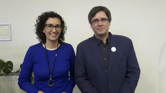 El ex 'president' Carles Puigdemont junto a Marta Rovira (ERC)