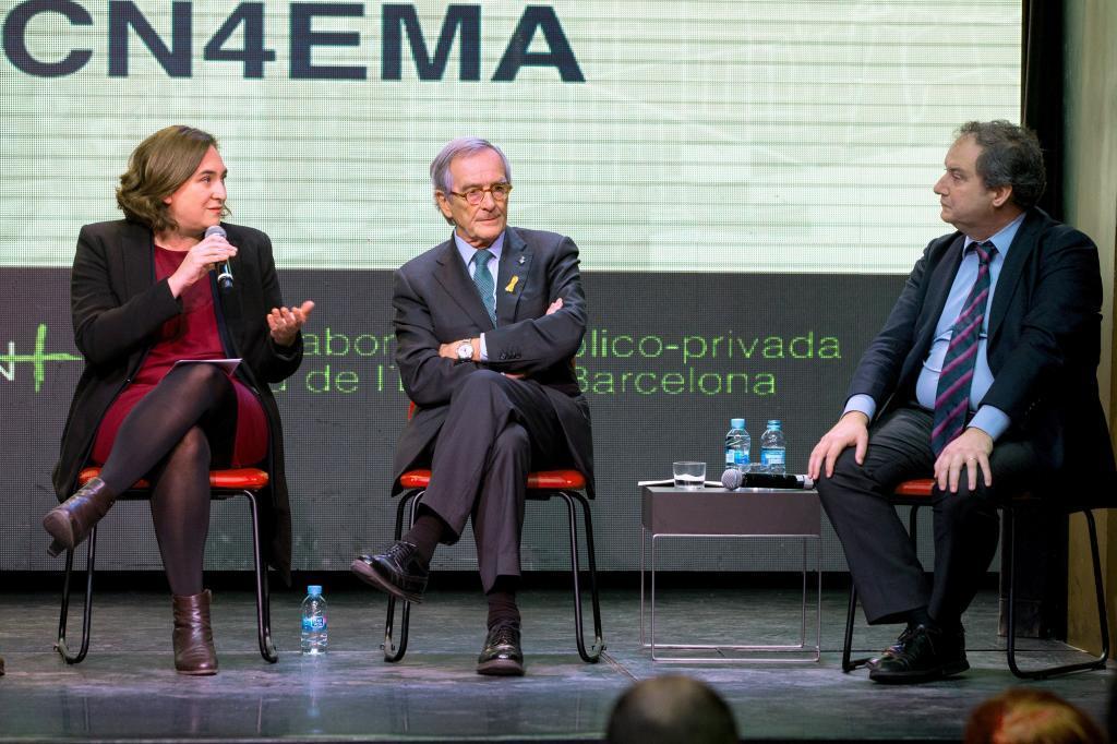 Ada Colau, Xavier Trias y Jordi Hereu en el acto de hoy a favor de la...