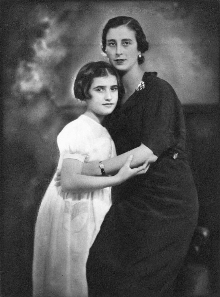 María del Carmen Franco Polo nació el 14 de septiembre de 1926 en...