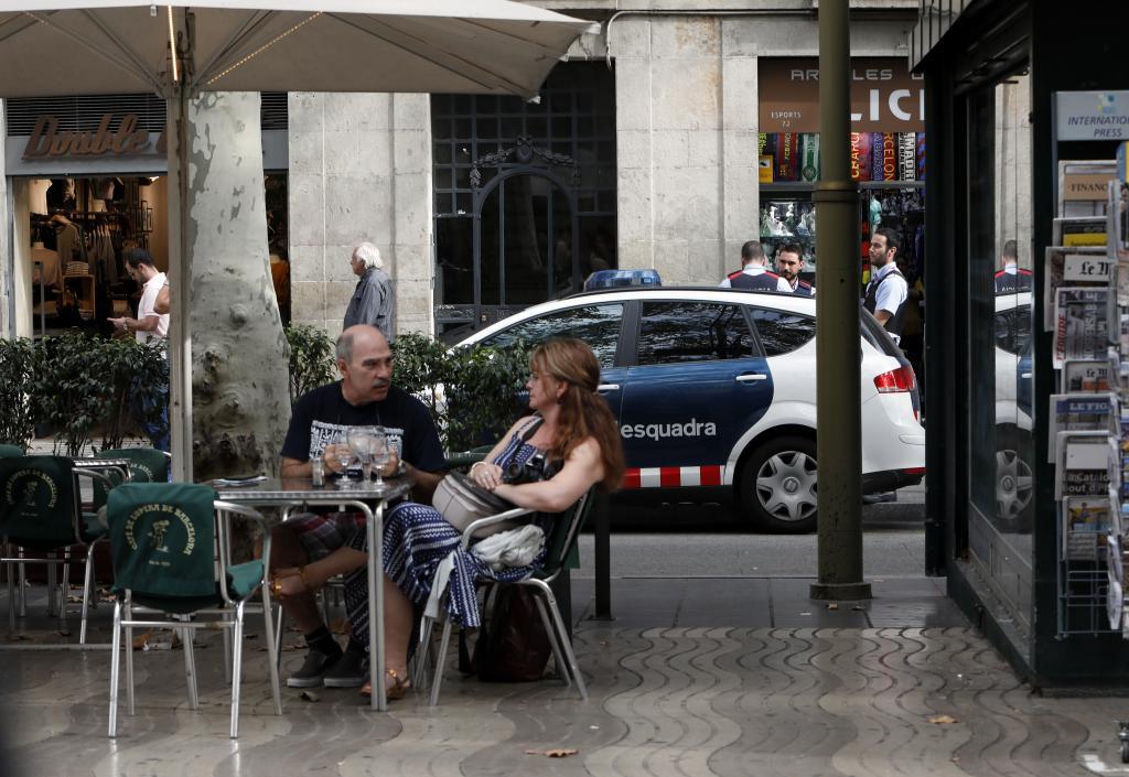 Una patrulla de los Mossos d'Esquadra en La Rambla.