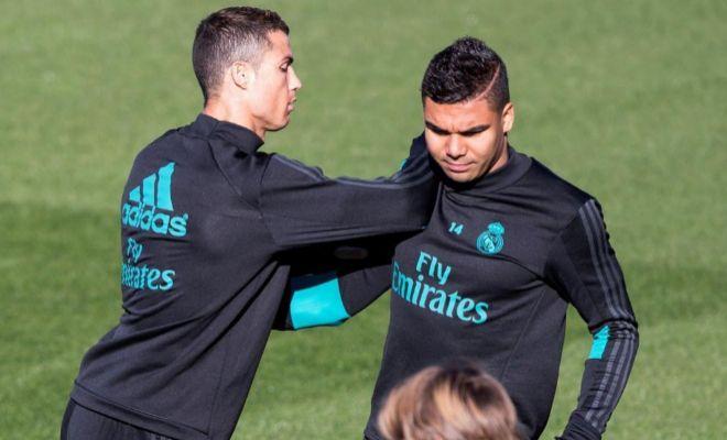 Cristiano y Casemiro, durante el entrenamiento del viernes en Valdebebas.