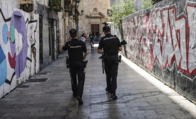 Detenido un hombre de 62 a os por atracar una oficina de for Oficina de correos valencia