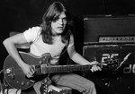 Muere Malcolm Young, guitarrista, cerebro y cólera de AC/DC