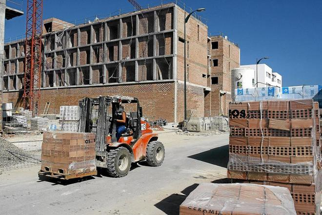 La construcci n de obra nueva en espa a crece un 15 en for Obra nueva las rozas