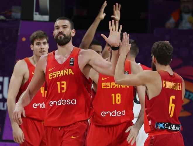 Los jugadores de la selección española en un encuentro del pasado Eurobasket ante Alemania.