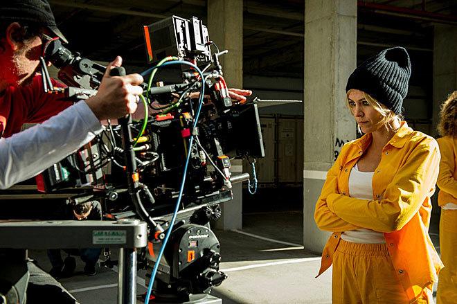 La actriz Maggie Civantos, en el rodaje de la tercera temporada de...