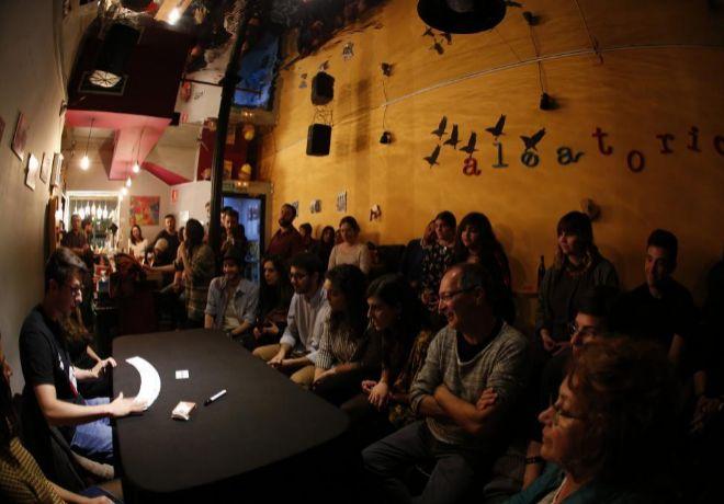 David Ruiz acudía a 'Aleatorio Bar' para recitar poemas.