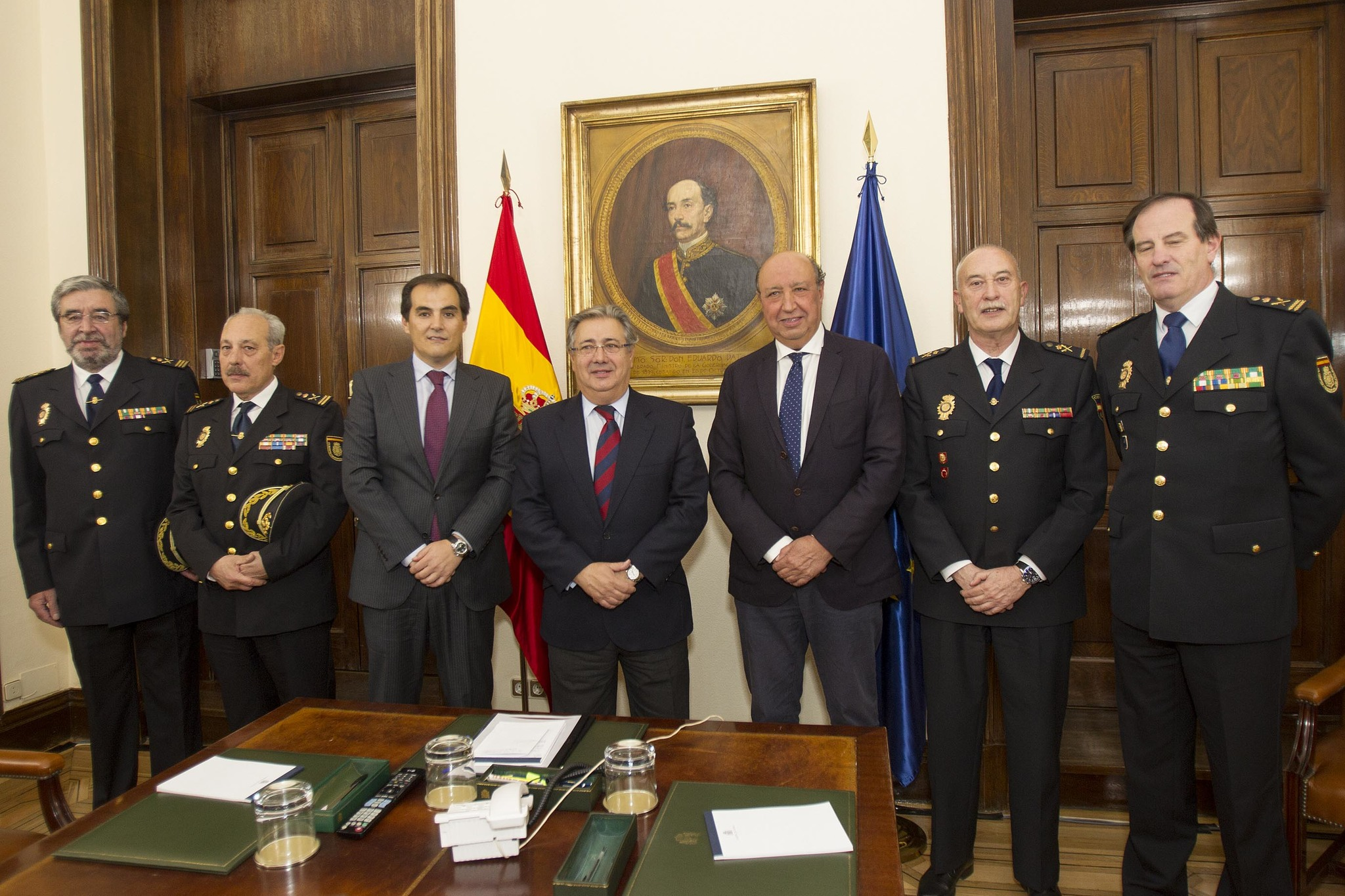 Zoido sit a al jefe de extranjer a y fronteras de la for Direccion ministerio del interior madrid