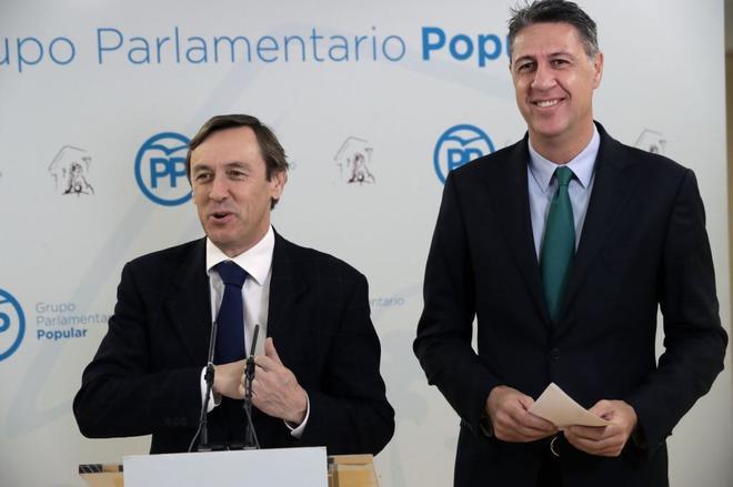 Rafel Hernando, portavoz del PP, junto al presidente del PPC, Xavier...