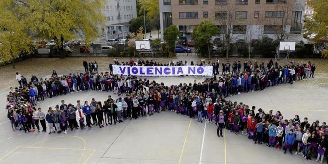 Acto contra la violencia de género con alumnos de instituto en...