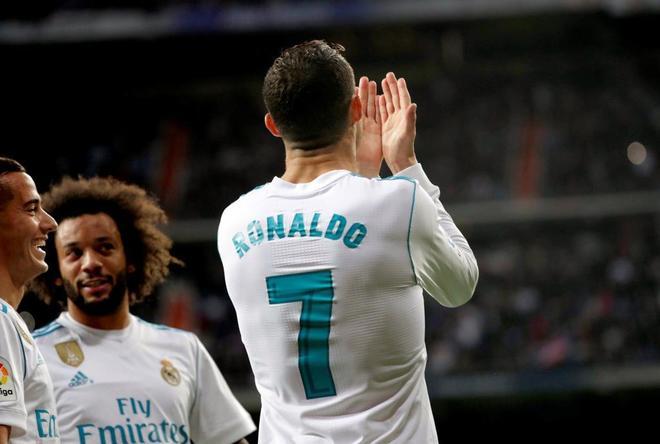 Cristiano Ronaldo celebra su gol ante el Málaga.