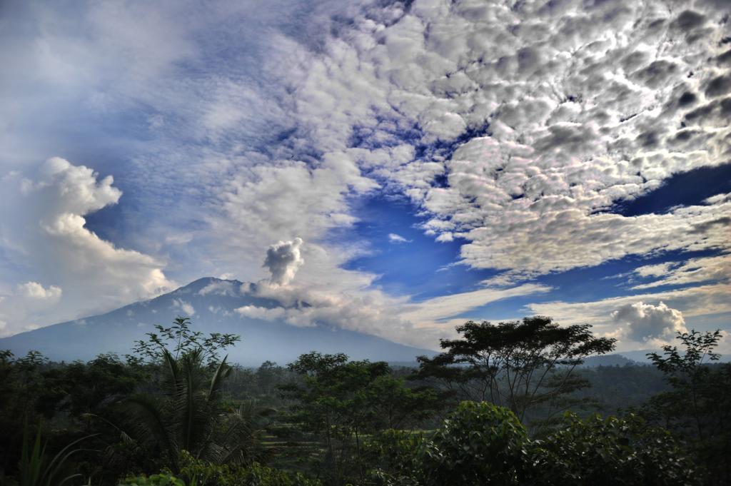 El BNBP mantiene el nivel de alerta de erupción 3 (el máximo es el...
