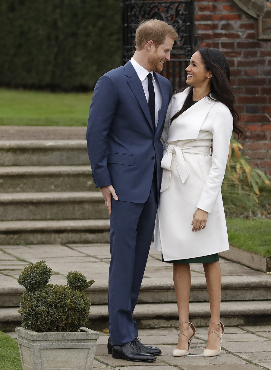 Meghan en su línea de básicos y minimal un abrigo blanco de la...