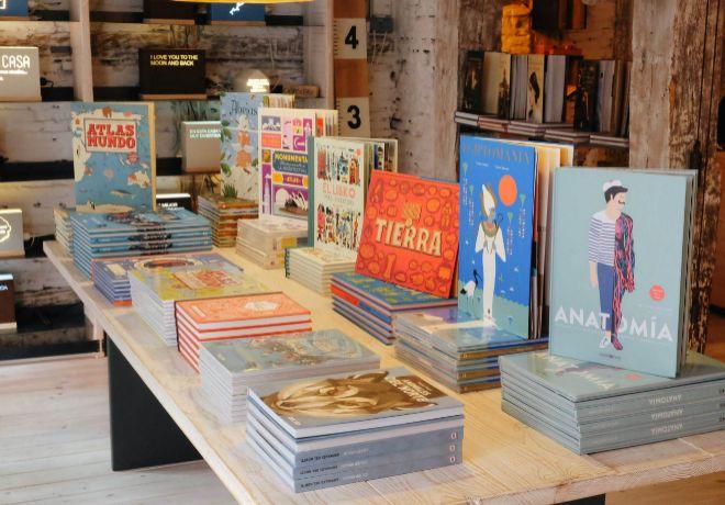 Libros ilustrados. Esta tienda surgió como escaparate para los...