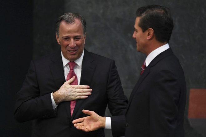 José Antonio Meade junto a Enrique Peña Nieto en el acto donde ha anunciado su renuncia
