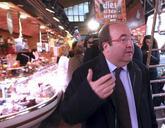 Miquel Iceta, este jueves en el mercado de Sant Martí de Barcelona.
