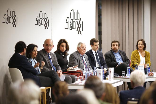 Federico Quevedo, Margarita Robles, Francisco Rosell, Paloma Segrelles, Fernando Jáuregui, Pablo Casado, Miguel Gutiérrez y Carolina Bescansa.
