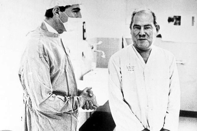 HISTORIA MEDICA: El corazón negro que salvó al dentista blanco: la otra hazaña del doctor Barnard
