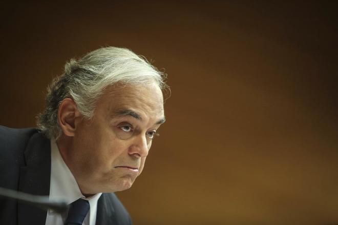 Esteban González Pons, vicepresidente del Grupo Popular Europeo en Bruselas, en una comparecencia en Les Corts.,