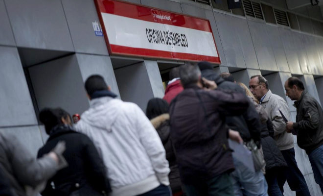 El paro baja en personas en noviembre en la for Oficina inem madrid
