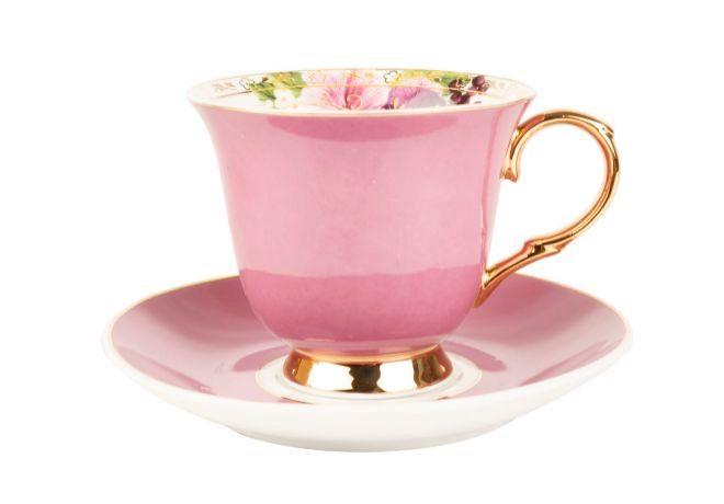 Taza y plato rosa chicle (8 euros).