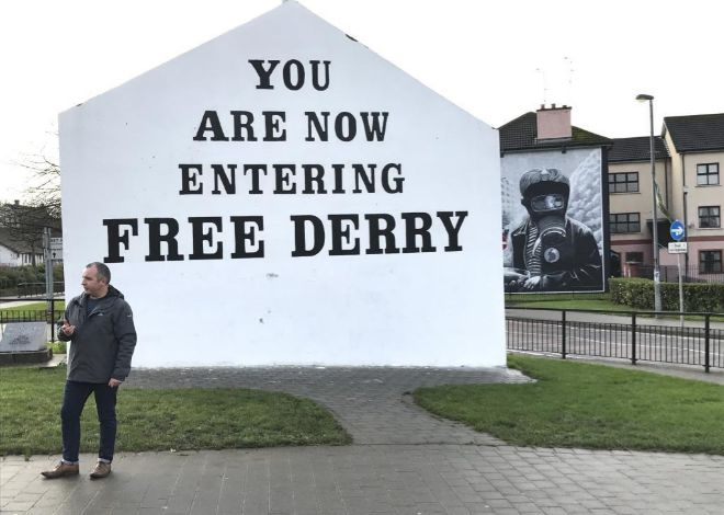 El icónico mural que marca la entrada en el Bogside, el barrio republicano de mayoría católica.
