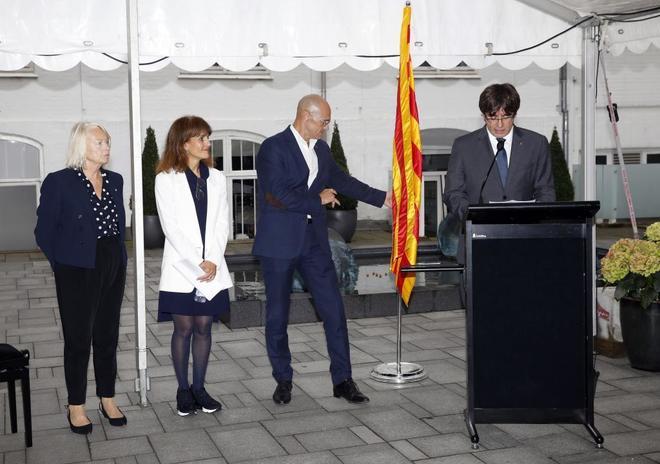 Carles Puigdemont, Raül Romeva y Francesca Guardiola, en septiembre,...