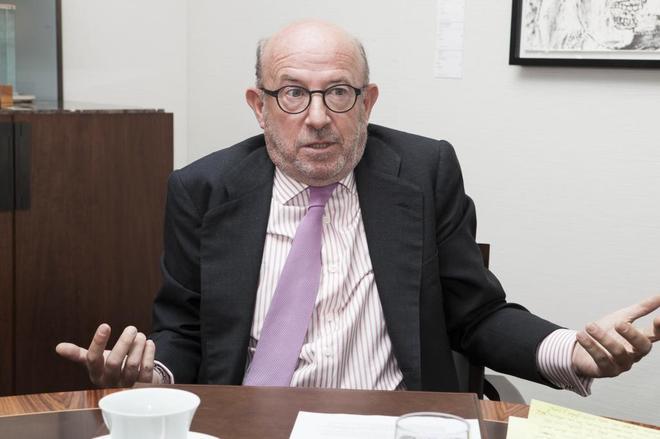 El ex presidente de Banco Popular Emilio Saracho, durante una entrevista.