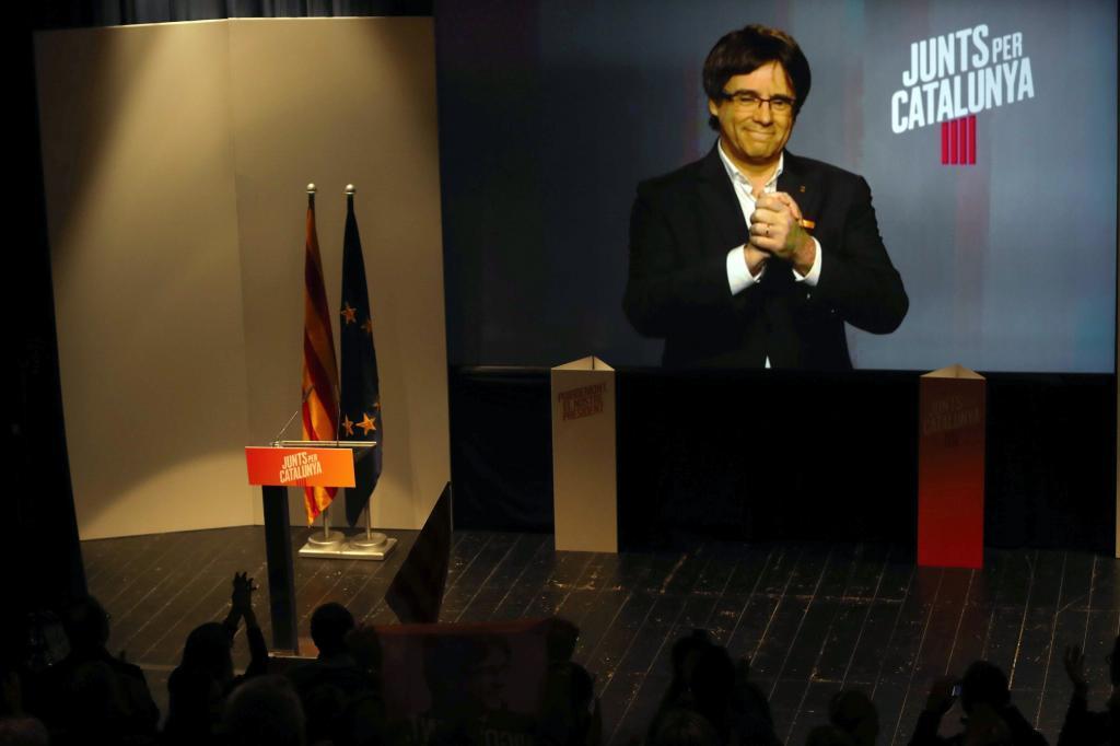 Carles Puigdemont, en vídeoconferencia durante la campaña electoral...