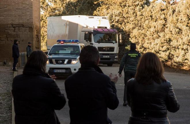 Llegada al Monasterio de Sijena (Huesca) del camión con las obras de...