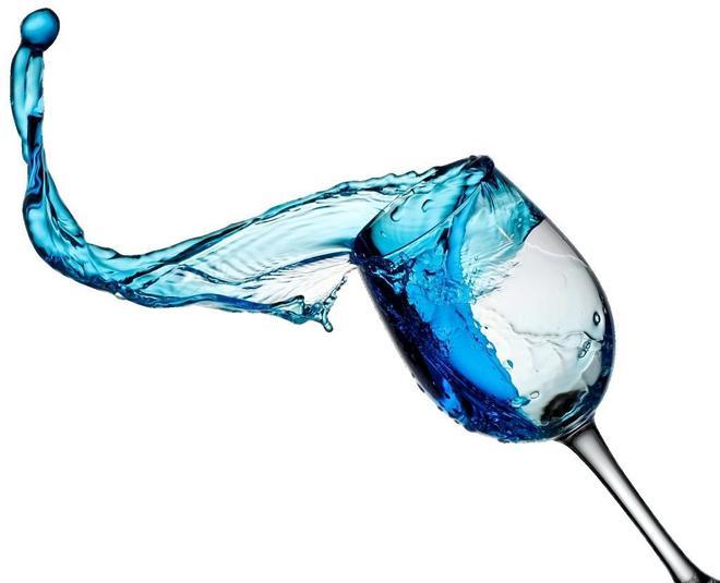 Del vino azul a los donut rosas: la cromoterapia invade el 'súper'