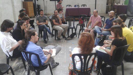 Pablo Iglesias, con la madre de Rodrigo Lanza y otros allegados de los...