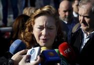 Pilar Manjón atiende a los medios durante el aniversario del 11-M en 2015.