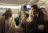 Los caballeros Jedi Qui-Gon Jinn y Obi-Wan Kenobi viajan a Tatoonie,...