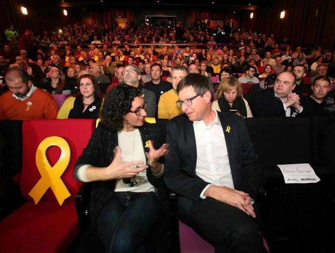 La secretaria general de ERC, Marta Rovira, y el número 5 de los republicanos en las elecciones del 21D, Carles Mundó, en un acto en Tarragona.