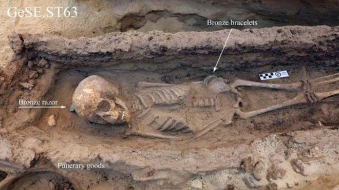 Halladas cuatro tumbas intactas de niños de más de 3.000 años en Egipto