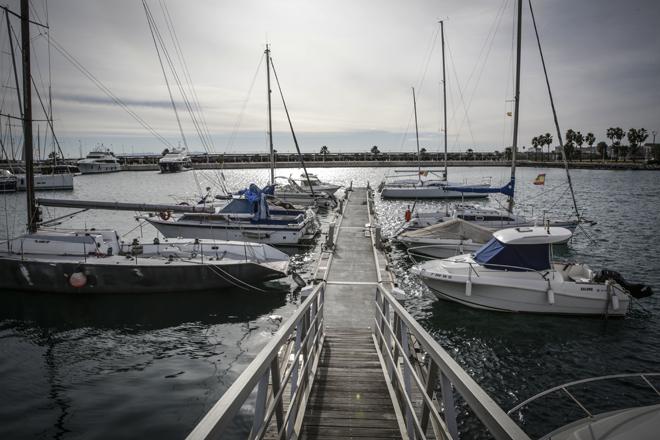 Embarcaciones atracadas en los pantalanes de la antigua Valencia Yacht Base.