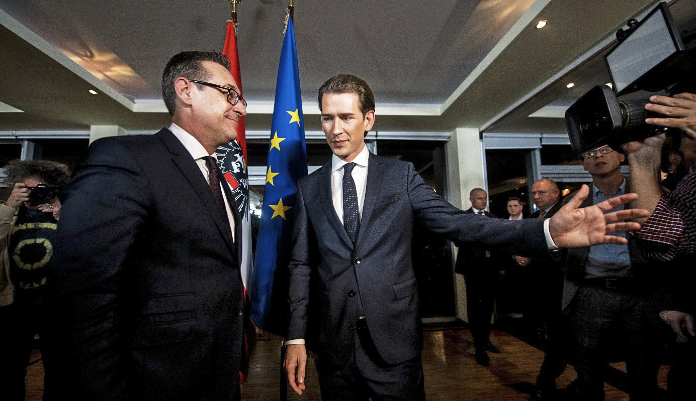 El canciller austríaco, Sebastian Kurz, con el líder de la ultraderecha (FPO) Heinz-Christian Strache.