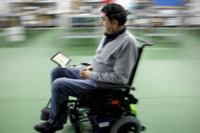 Así moví la silla de ruedas con mi cerebro | cronica