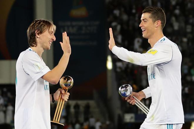 Cristiano celebra con Modric, nombrado MVP de la final.