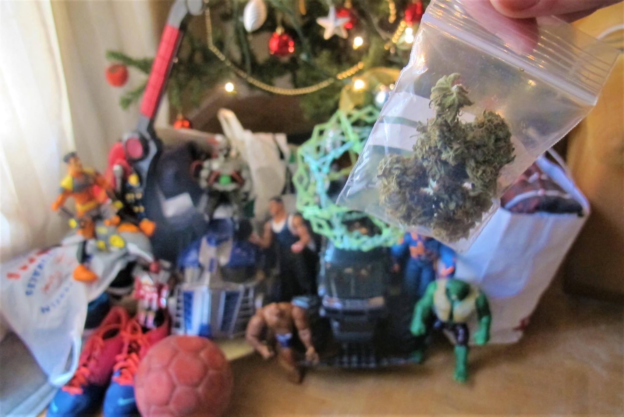 David, madrileño, cambia cogollos de marihuana por juguetes que...