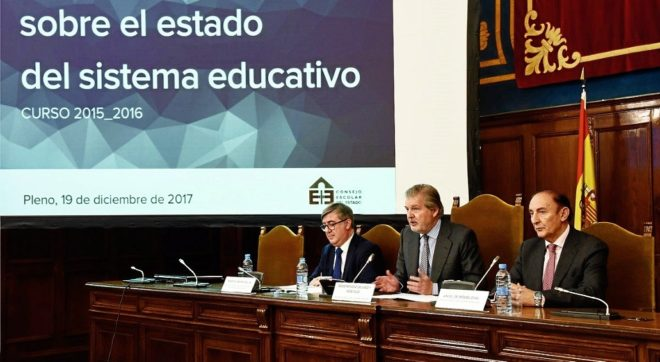 Íñigo Méndez de Vigo, ayer, interviniendo en el Pleno del Consejo...