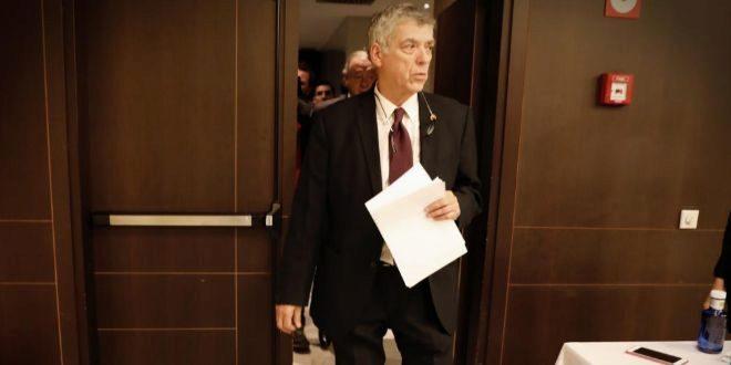 Villar, llegando a la rueda de prensa del pasado día 17.
